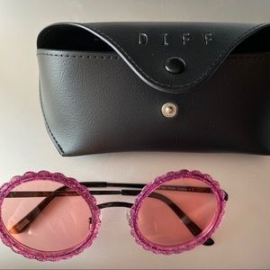 NEW DIFF Eyewear Pink Round Glitter Glasses